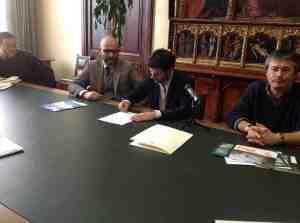 Alessio Satta e Massimo Zedda firmano il Protocollo d'intesa tra il Comune di Cagliari e la Conservatoria delle coste della Sardegna